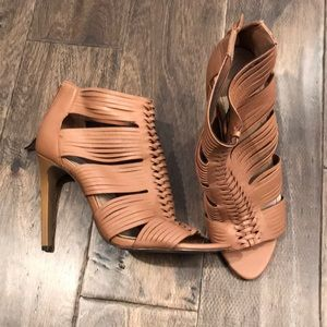 BCBG Woven Tan/Camel Heels Booties 8.5
